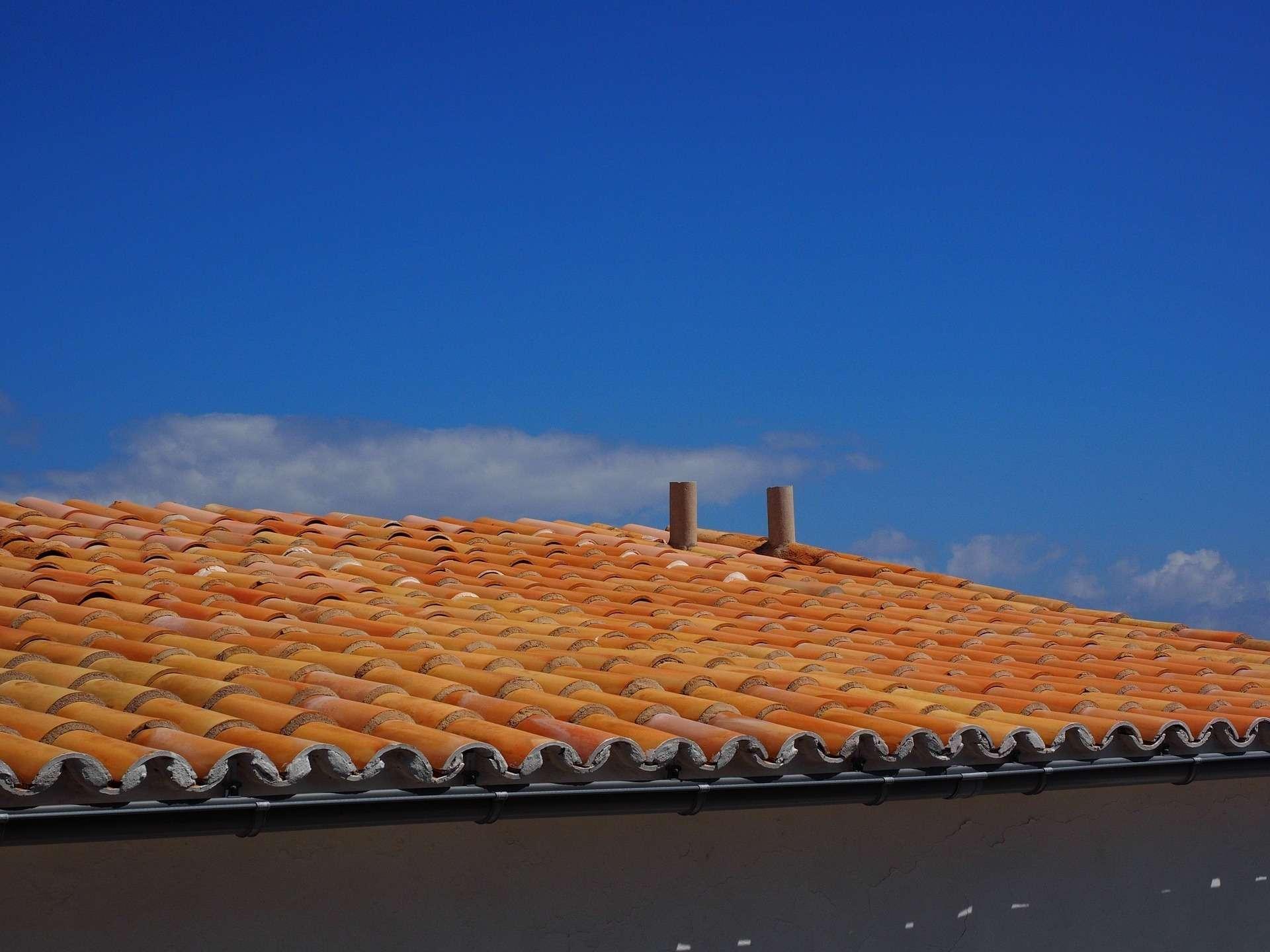 Réalisation démoussage toiture, Label Face, votre enduiseur à Saint-Gilles-Croix-de-vie